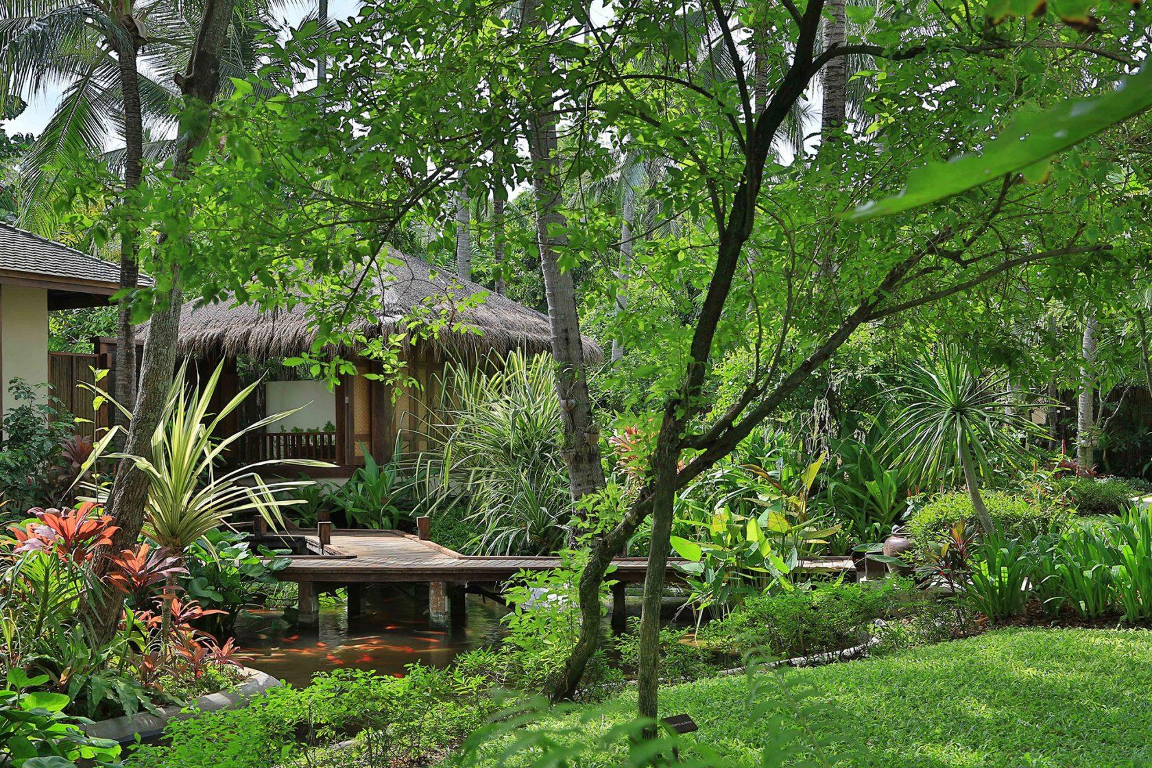 Anantara Rasanada Resort Lagoon Walkway