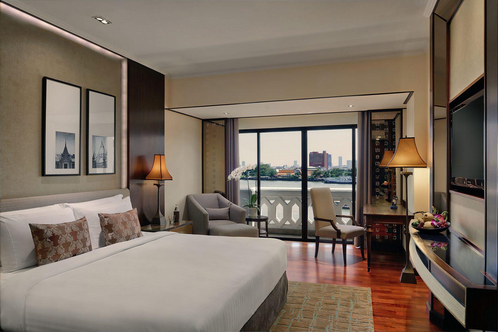 Anantara Riverside Bangkok Deluxe Room