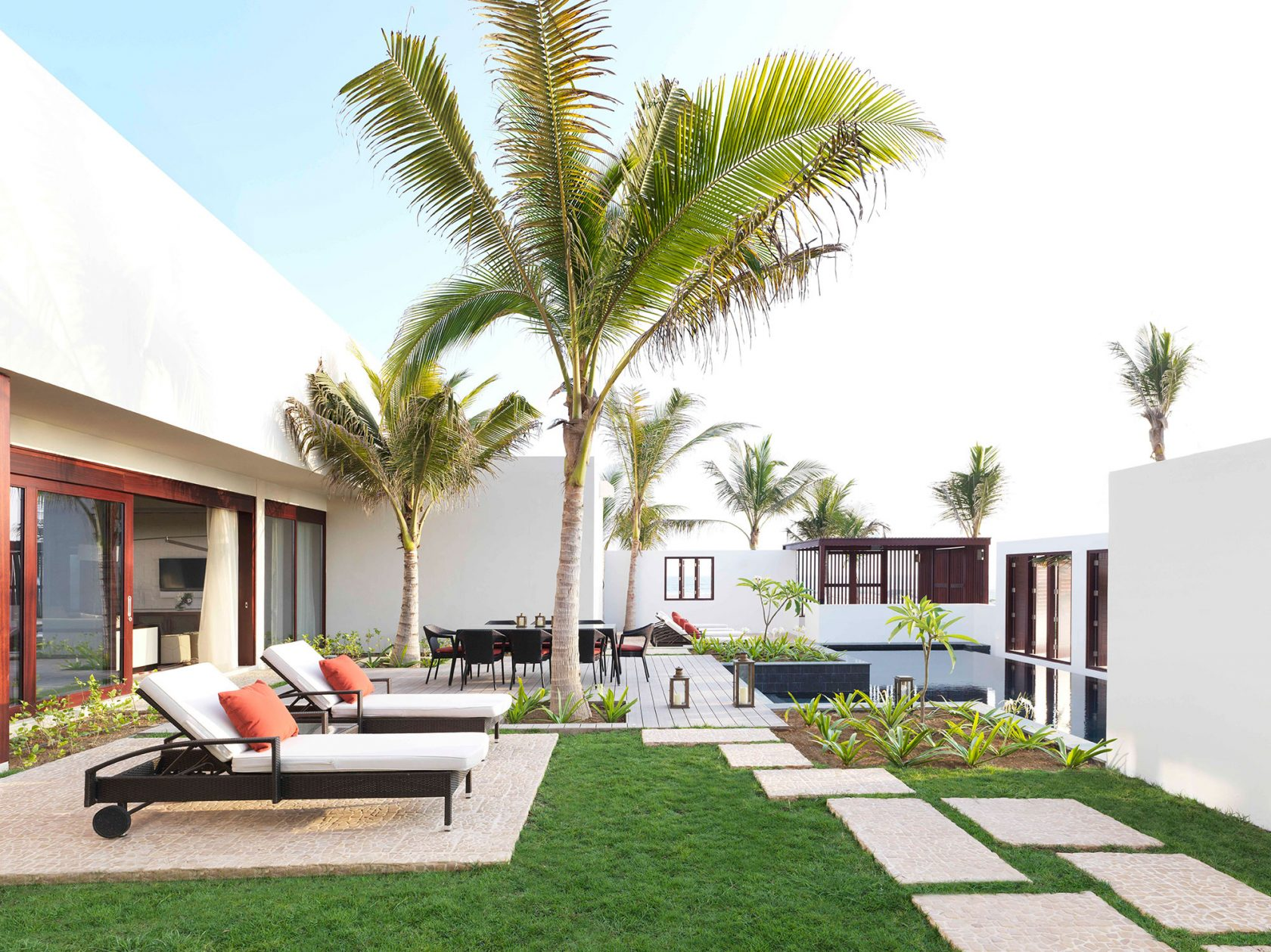 Al Baleed Resort by Anantara Royal Beach Villa Garten