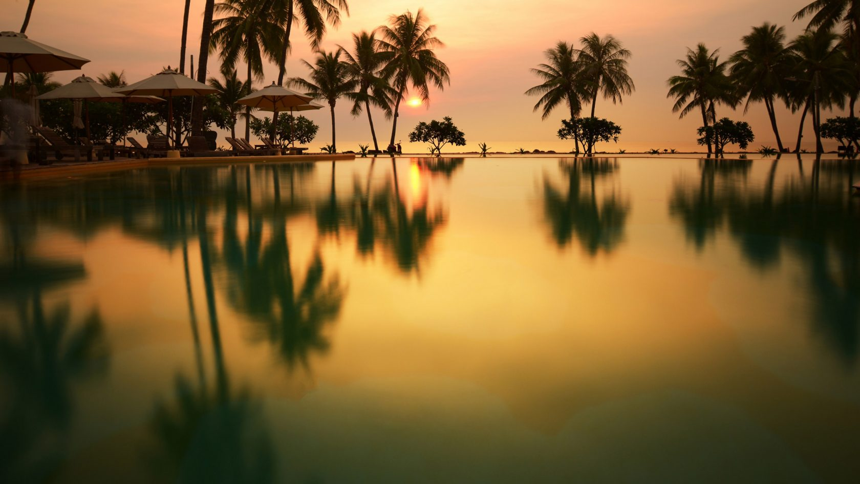 Evason, Hua Hin - Pool bei Sonnenaufgang
