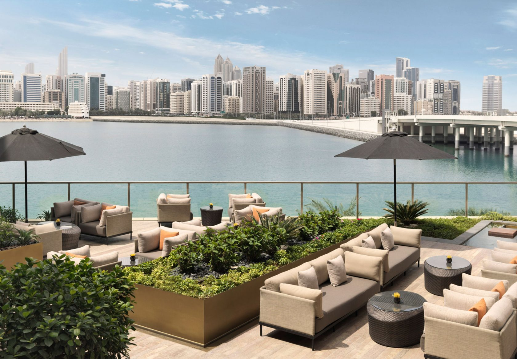 Four Seasons Al Maryah Island Al Meylas Terrace