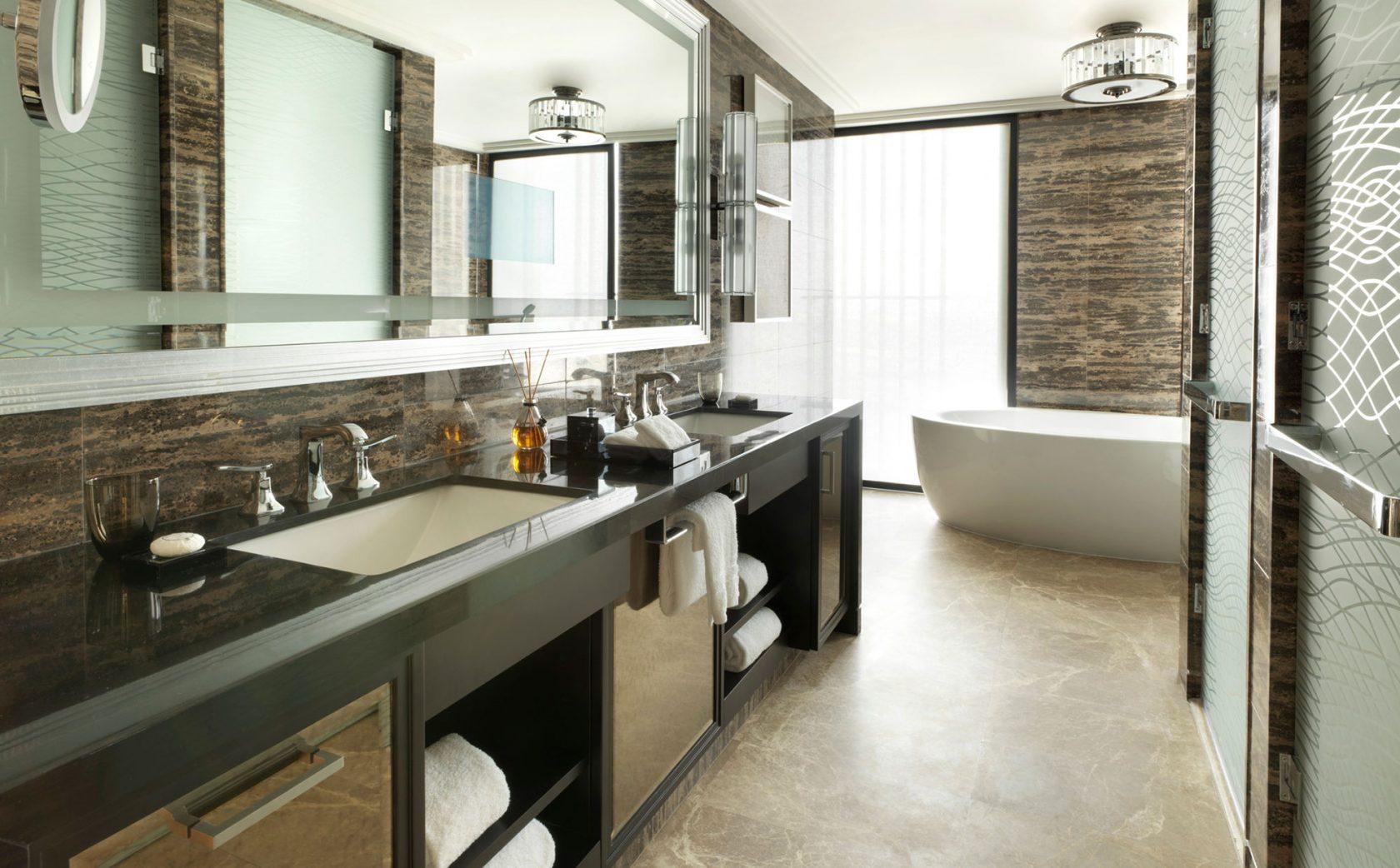 Four Seasons Al Maryah Island Executive Suite Bathroom