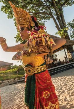 Four Seasons Bali at Jimbaran Bay - Balinesische Tanzaufführung