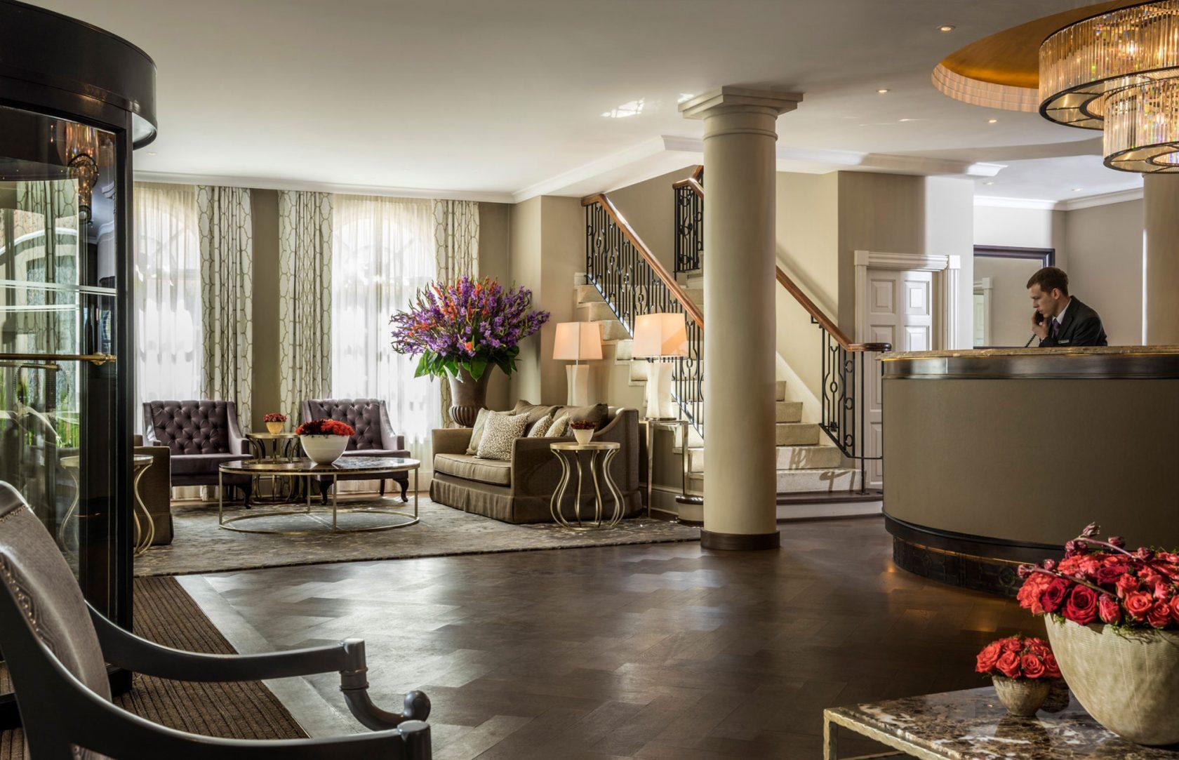 Four Seasons Hotel The Westcliff Lobby