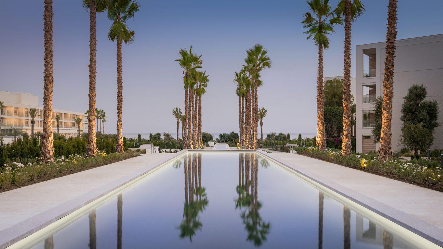 Ikos Andalusia Spanien – palm Lake Boulevard