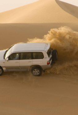 Jumeirah Emirates Towers - Dune-Bashing