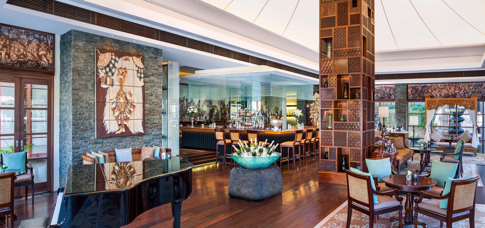 The St. Regis Bali King Cole Bar