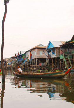 Stelzendorf am Tonle Sap See