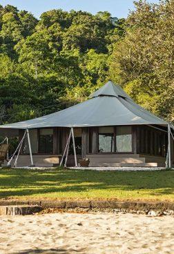 Amanwana Mojo Island – Zelt direkt am Strand