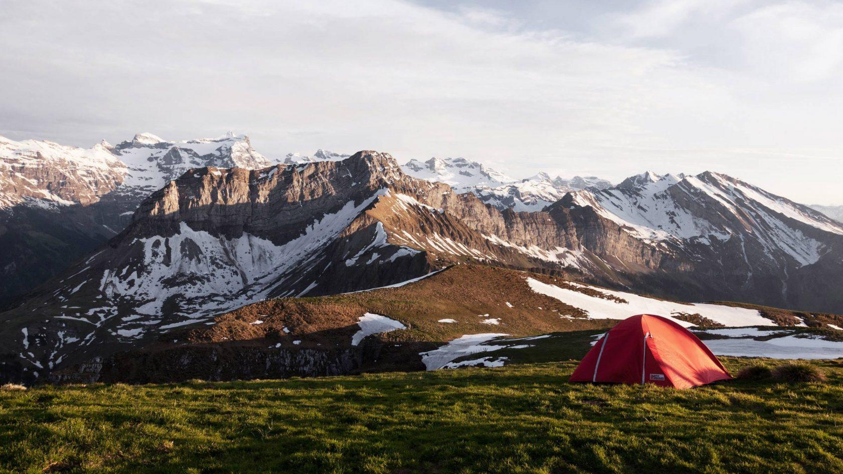 Camping mitten im Himalaya, Bhutan