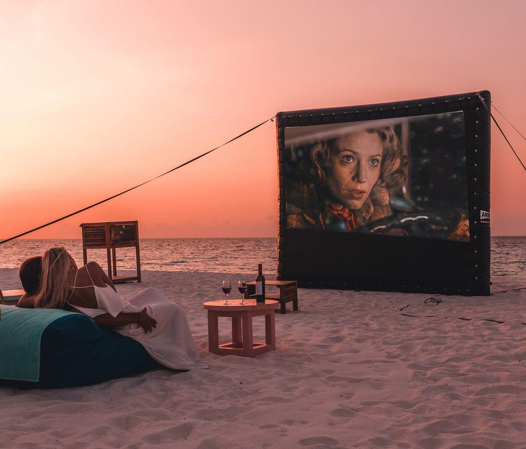 Constance Moofushi Maldives, Luxusresort Malediven – Openair Cinema