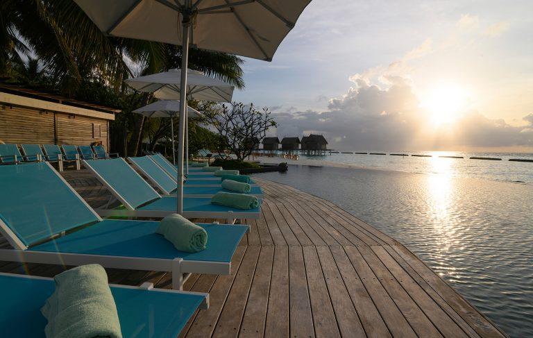 Constance Moofushi Maldives, Luxusresort Malediven – Pool