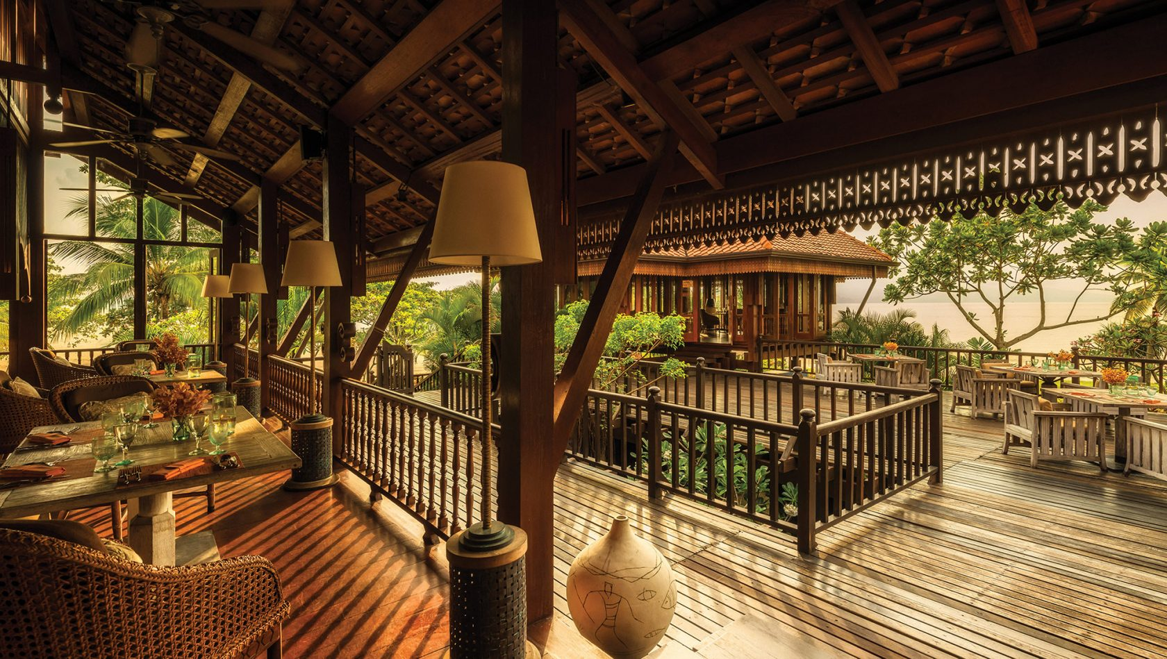 Four Seasons Langkawi – Restaurant mit Meerblick